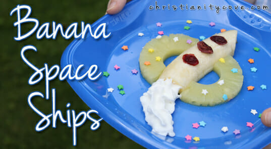 """""""Banana Spaceships"""" Space-Themed Snack"""